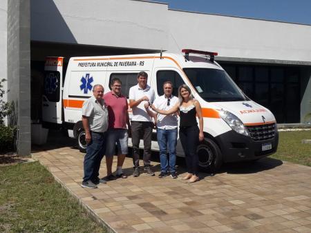 Município de de Paverama adquire novo veículo para Secretaria de Saúde
