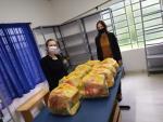 Sicredi realiza doação de 10 cestas básicas para campanha Nenhum Paveramense com fome