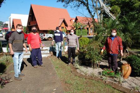 Final de semana de voluntariado no Parque 13 de abril
